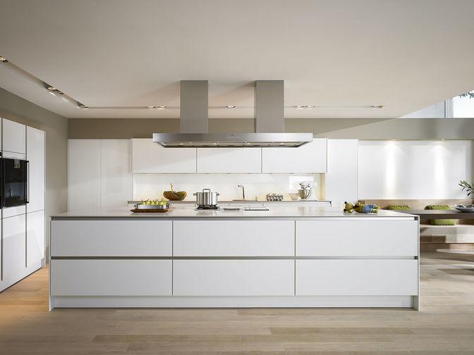 Ontwerp uw keuken in 3d met de gratis en eenvoudige keukenplanner - Faience giet keuken moderne ...